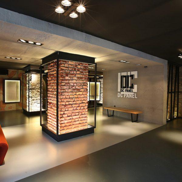 DC PANEL SHOWROOM - duvar kolon kiriş kaplama panel beton tuğla nuvola tasarım showroom mağaza cafe